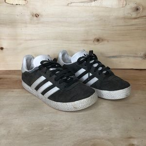 Adidas grey gazelle boys shoes